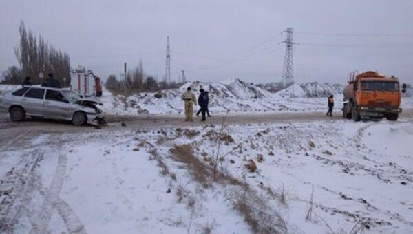 ДТП с участием бензовоза КамАЗ и легкового автомобиля ВАЗ-2114 в Нижнегорском районе
