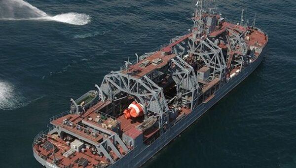 Старейший спасатель подводных лодок Черноморского флота Коммуна