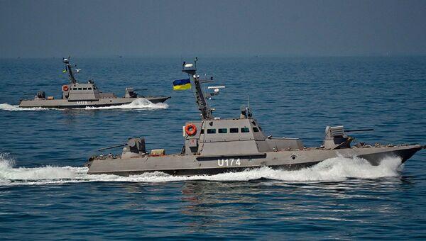 Речные бронекатера Бердянск и Аккерман проекта 58150 Гюрза во время ходовых испытаний в открытом море