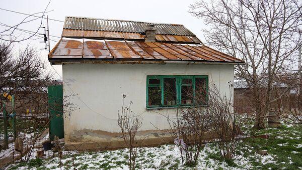Садовый домик, в котором живет Людмила Куницына
