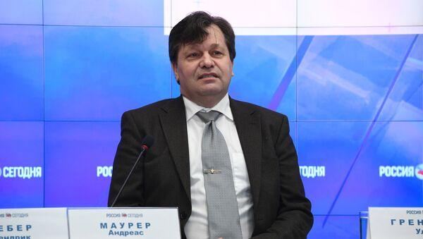 Иностранный наблюдатель, депутат из Германии Андреас Маурер