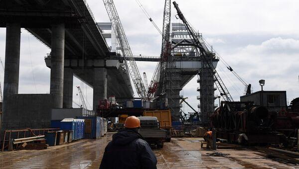 Строительство моста через Керченский пролив со стороны полуострова