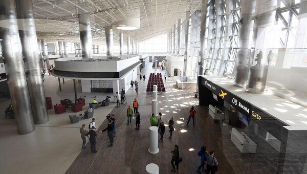 Волонтеры тестируют работу нового терминала аэропорта Симферополь