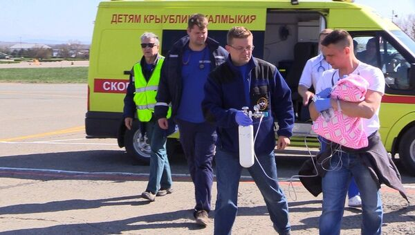 Спецборт МЧС доставит тяжелобольного грудничка из Крыма в Санкт-Петербург