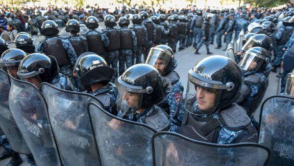 Полиция на акции протеста в Ереване