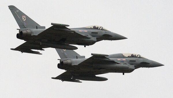 Истребители Тайфун британских королевских ВВС. Архивное фото