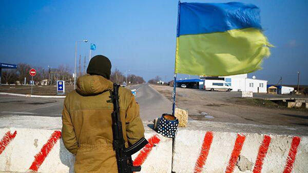 Контрольно-пропускной пункт в Херсонской области недалеко от границы с Крымом