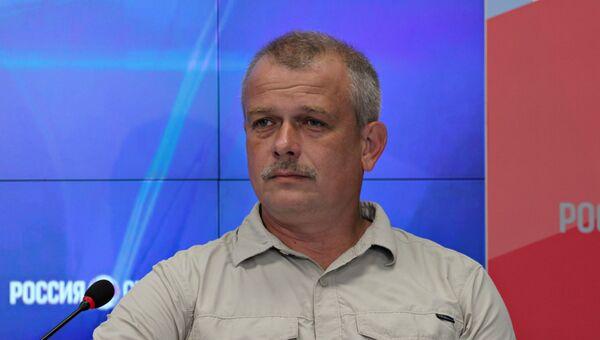 Директор Таврического информационно-аналитического центра, политолог Александр Бедрицкий