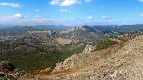Гора Таракташ в Судаке
