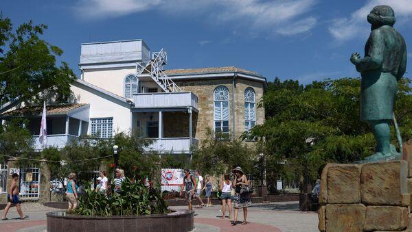 Дом-музей Максимилиана Волошина на набережной поселка Коктебель