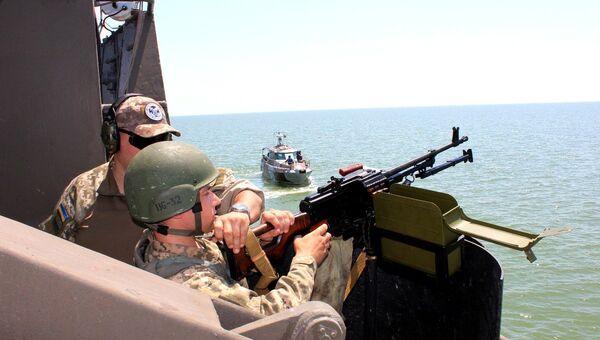 Украинские пограничники провели учение в Азовском море