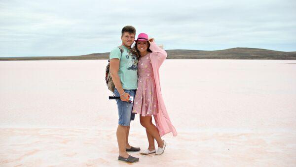 Travel-блогеры Виталий Ичин и Елизавета Грачева на Кояшском озере