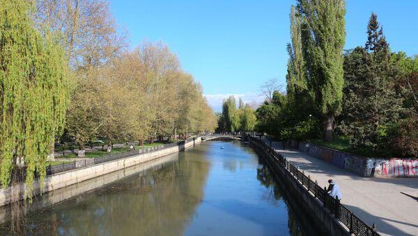 Набережная реки Салгир в Симферополе