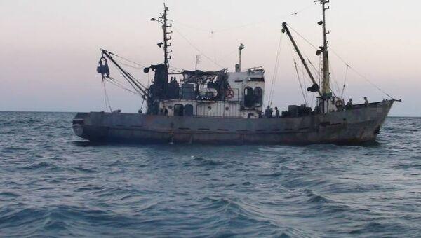 Рыболовецкое судно в Азовском море