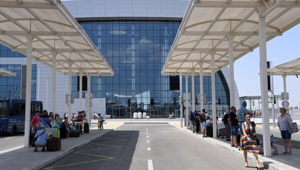 Автостанция в новом терминале аэропорта Симферополь. Архивное фото