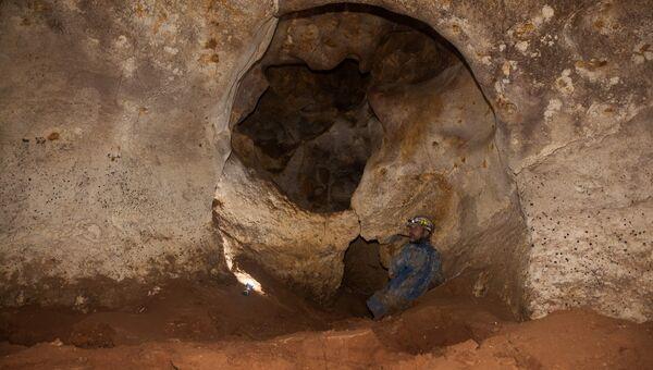 Пещера, найденная в районе пос. Зуя на месте строительства трассы Таврида. Архивное фото