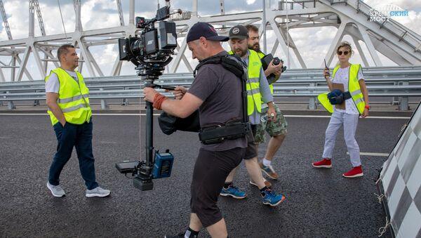 Съемки клипа группы Любэ на Крымском мосту