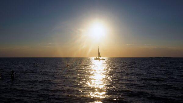 Парусник на Азовском море. Архивное фото