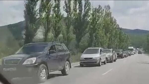 Пробка на трассе Симферополь - Керчь. 21 июля 2018