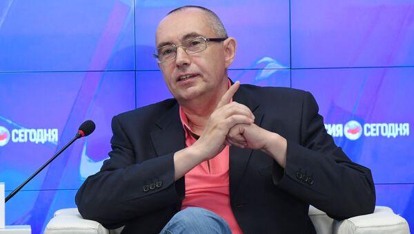 Российский спортивный комментатор Владимир Топильский