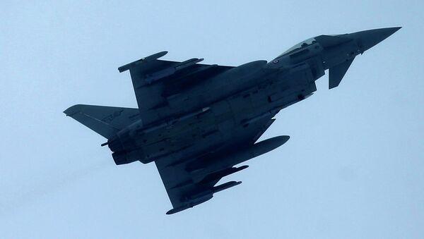 Истребители НАТО Eurofighter Typhoons