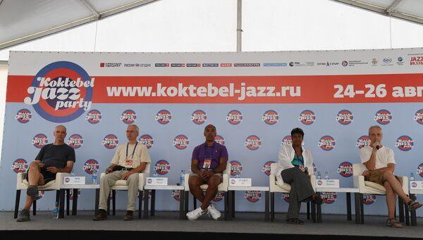 Участники джазового  коллектива из США Vanessa Rubin & Don Braden на пресс-конференции в рамках фестиваля Koktebel Jazz Party 2018