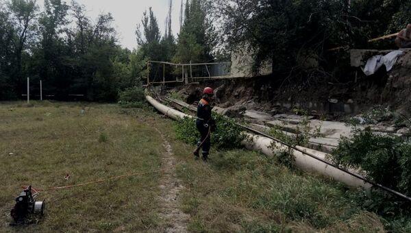 В Феодосии из-за непогоды подпорная стена обрушилась на газопровод
