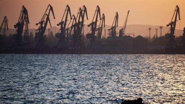 Порт в городе Керчь. Архивное фото