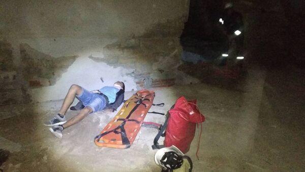 В Евпатории с крыши заброшенной грязелечебницы упал подросток