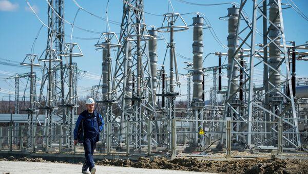 Инженер на месте строительства Таврической (Симферопольской) ТЭС
