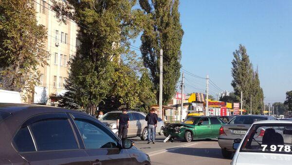 Авария на улице Генерала Васильева в Симферополе
