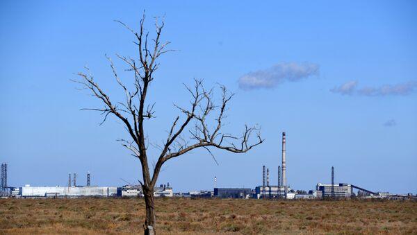 Завод Крымский титан на севере Крыма