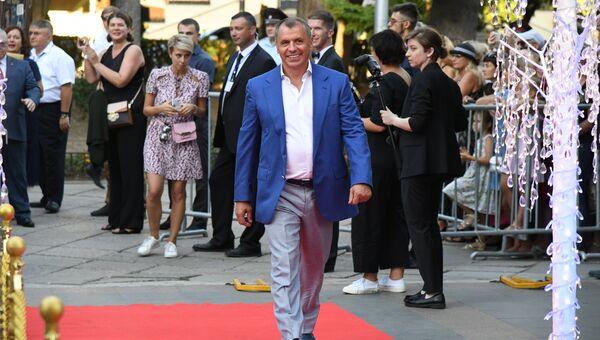 Председатель Госсовета Крыма Владимир Константинов на церемонии открытия III международного кинофестиваля Евразийский мост в Ялте