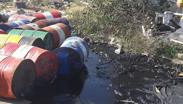 Свалка нефтесодержащих отходов в районе высоты Горная в Севастополе