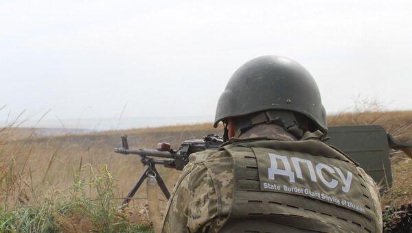Тактические учения украинских военных и пограничников на побережье Азовского моря