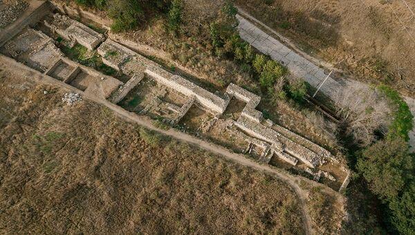 Северная крепостная стена античного города Тиритака