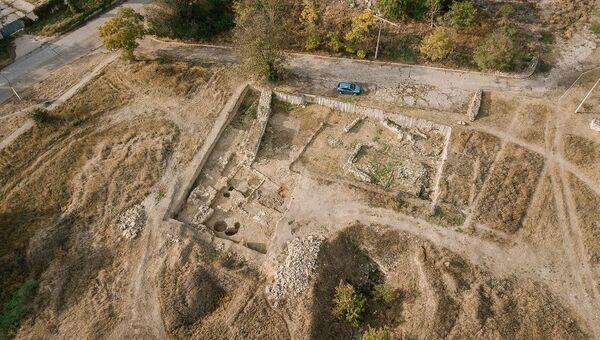 Раскоп в западной части античного города Тиритака