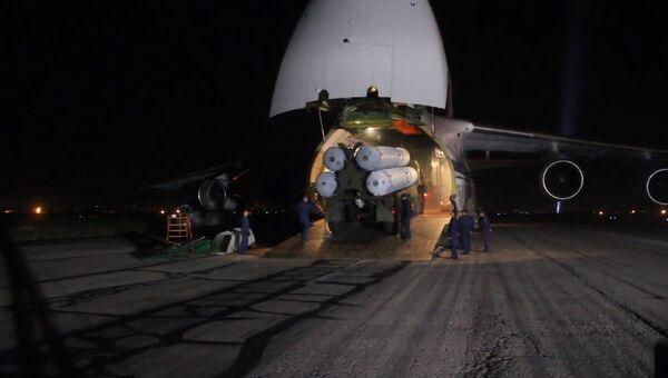 ЗРК C-300 доставили в Сирии на военно-транспортном самолете Ан-124 Руслан