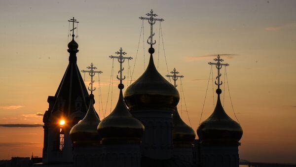 Церковь на закате. Архивное фото