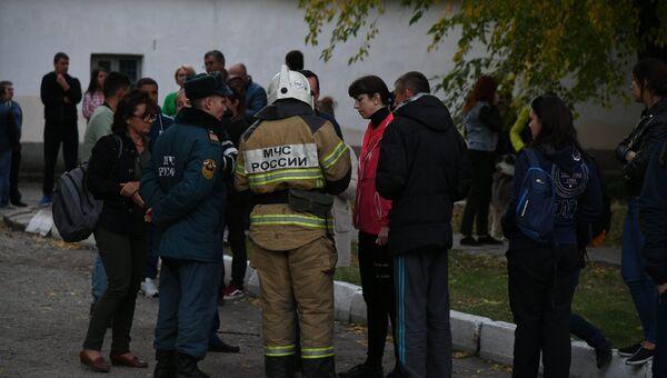 Ситуация на месте трагедии в Керчи. 17 октября 2018
