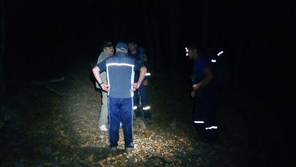 Заблудившиеся в районе водопада Головкинского туристы