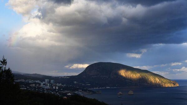 Гора Аю-Даг со стороны Гурзуфа