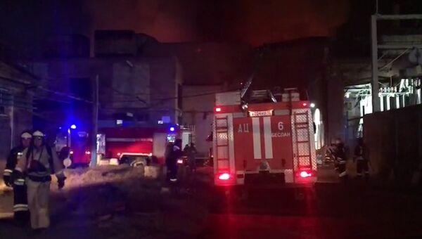 Пожар на Электроцинке: кадры тушения огня во Владикавказе