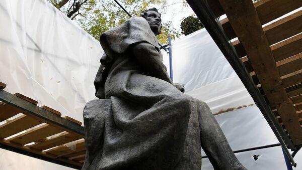 Реставрация памятника А.С. Пушкину в Симферополе