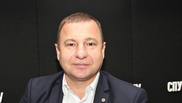 Министр внутренней политики, информации и связи РК Сергей Зырянов