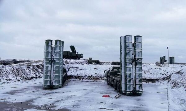 Дивизион зенитной ракетной системы (ЗРС) С-400 Триумф заступил на боевое дежурство в Джанкое. 29 ноября 2018