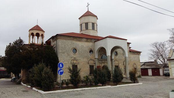 Армяно-григорианский храм Святого Николая на территории дома-интерната для престарелых и инвалидов в Евпатории