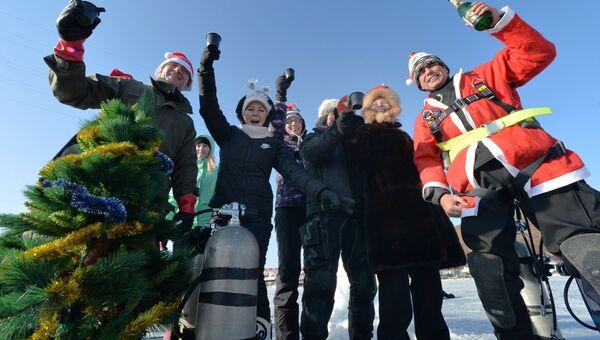 Празднование Старого Нового года на льду пролива Босфор Восточный во Владивостоке