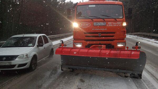 Снегоуборочная техника на крымских дорогах. 1 января 2019