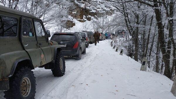 Автомобильный затор на дороге на плато Ай-Петри. 13 января 2019